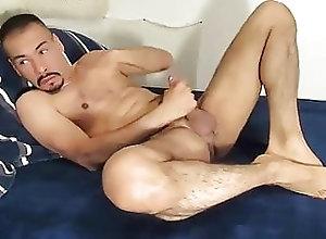 Handjob (Gay);Latino (Gay);Gay Cumshot (Gay);Gay Jerking (Gay) mi rico semen