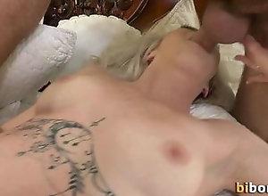 bareback,blowjob,fucking,naked,bisexual,handjob,hd,masturbation,tattoo,threesome,720p,bisex,highdefinition,mmf,masturbation,gay Bi men threeway fuck