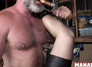 bareback,blowjob,cumshot,hardcore,doggystyle,fetish,hairy,hd,hunk,muscle,720p,daddy,highdefinition,leather,big cock,bareback,daddy,gay MANALIZED Tyler...