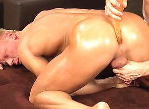 ass,bareback,big cock,blonde,naked,brunette,handjob,massage,masturbation,muscle,oil,blowjob,gay Nils Edberg Massage