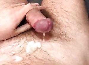 Man (Gay);Amateur (Gay);Bareback (Gay);Handjob (Gay);Masturbation (Gay);HD Videos Handjob on hotel bed