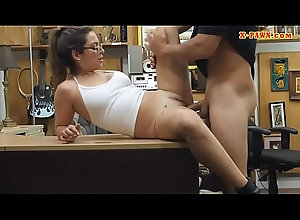 blowjob,brunette,amateur,glasses,POV,reality,spycam,big-cock,gay_blowjob Woman with...