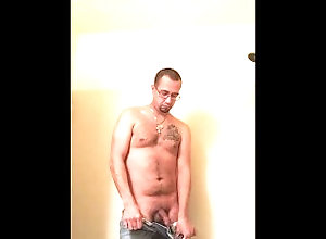 pee-desperation;piss-drinking;pissing-male;fetish;extreme;nasty;stud;big-cock;pissing;toilet,Solo Male;Gay Stud Peeing in...