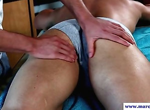 hunk,muscle,cum,gay,gym,jock,muscle,rimjob Hunky masseur...