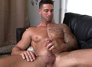 closeup,gay,masturbation,muscle,solo,handsome,gay Inked army stud...