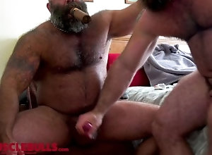 big;cock;muscle;bear;musclebear;cumshot;load;beefy;hairy;tattoo;beard;masculine;huge;massive;handjob;cigar,Bareback;Daddy;Muscle;Big Dick;Gay;Bear;Handjob;Cumshot;Tattooed Men BIG BULL SHOOTS A...