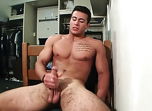 big cock,naked,brunette,gym,handjob,masturbation,muscle,solo,tattoo,mirror,undress,blowjob,gay Handsome Tatted...