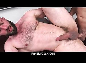 anal,cumshot,blowjob,handjob,threesome,masturbation,ass-licking,gay,bareback,bear,gay FamilyDick -...