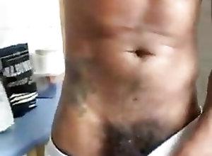 Handjob (Gay);Masturbation (Gay) el bulto de...