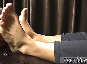 twink,feet,fetish,gay,twink,toe sucking Bengali gay sex...